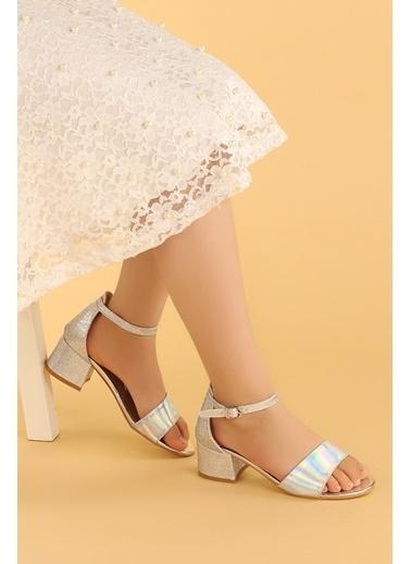 Kiko Kids Kiko 768 Ayna Kum Günlük Kız Çocuk 3 Cm Topuk Sandalet Ayakkabı Gümüş